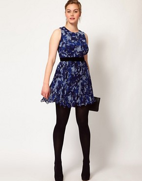 Image 4 ofASOS CURVE Exclusive Floral Dress With Pleated Skirt