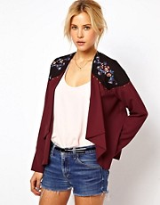 Chaqueta con bordado floral de ASOS
