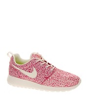 Nike Rosherun Pink Trainers