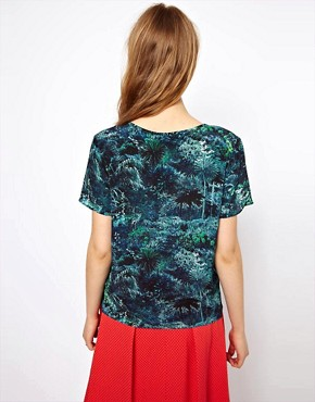 Image 2 ofLulu &amp; Co Silk Tee in Palm Print