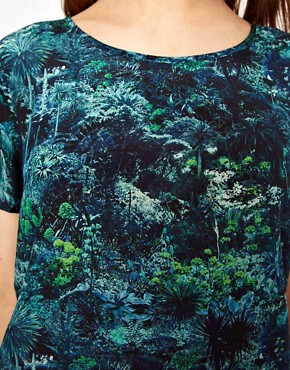 Image 3 ofLulu &amp; Co Silk Tee in Palm Print
