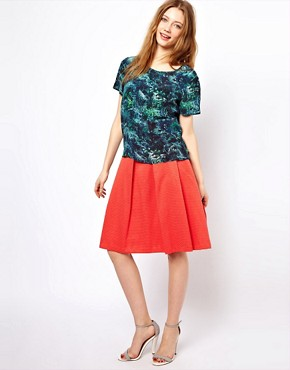 Image 4 ofLulu &amp; Co Silk Tee in Palm Print