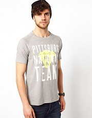 ASOS - T-shirt con stampa college fluo