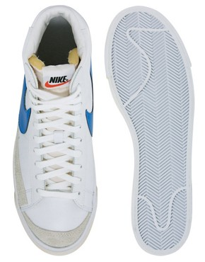 Image 3 ofNike Blazer Mid &#39;77 Trainers