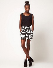 Shorts de punto con estampado animal de Silent Damir Doma