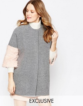 Helene Berman Kimono Coat In Grey With Pink Fluffy Sleeve