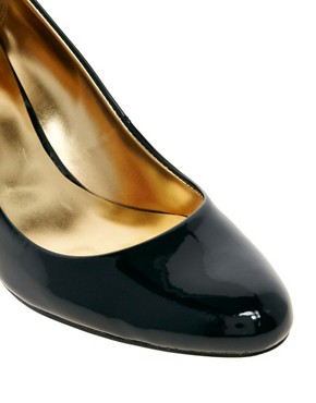 Image 3 ofTed Baker Peoni Mid Height Leather Shoe