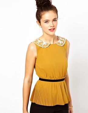 Image 1 ofDarling Pleated Top with Lace Collar