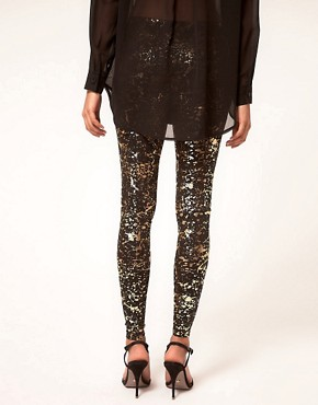 Bild 2 von ASOS  Leggings mit Farbklecksmuster in Metallic-Optik