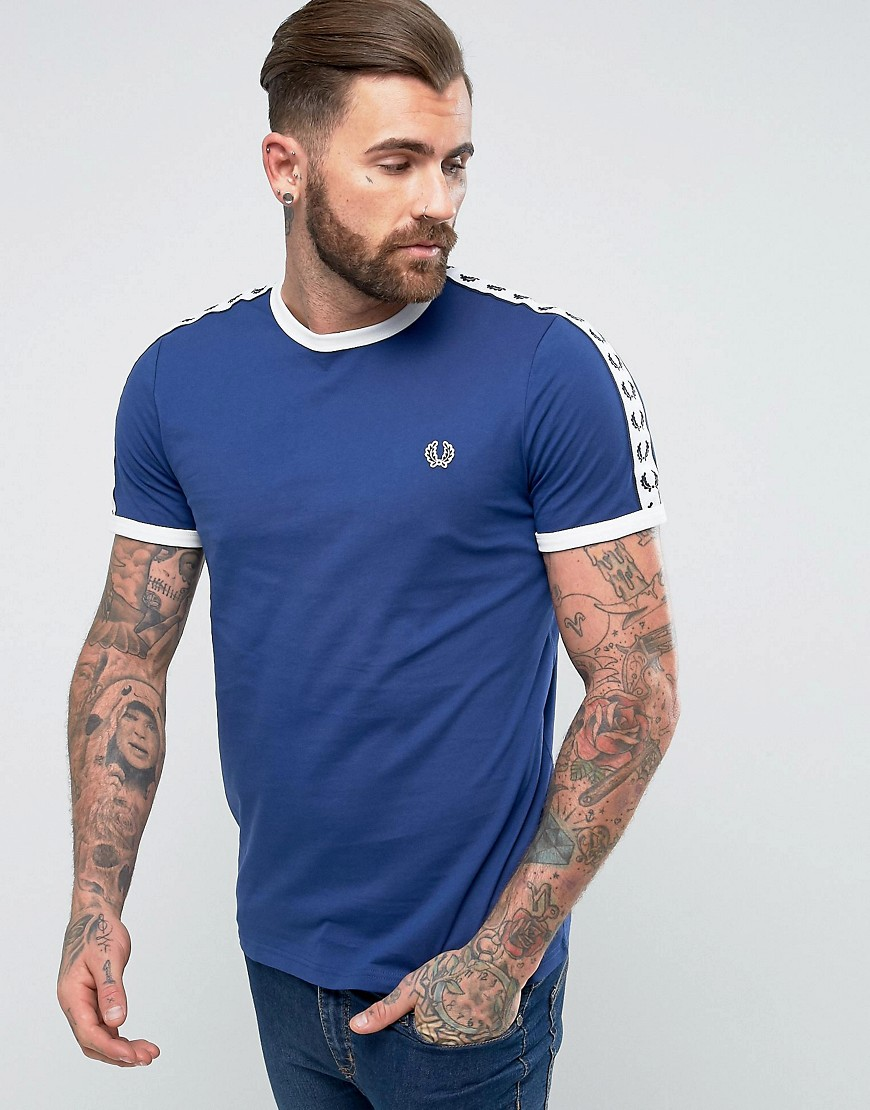 Fred Perry Slim Fit Sports Authentic Taped Sleeve T-Shirt In Navy - Carbon blue