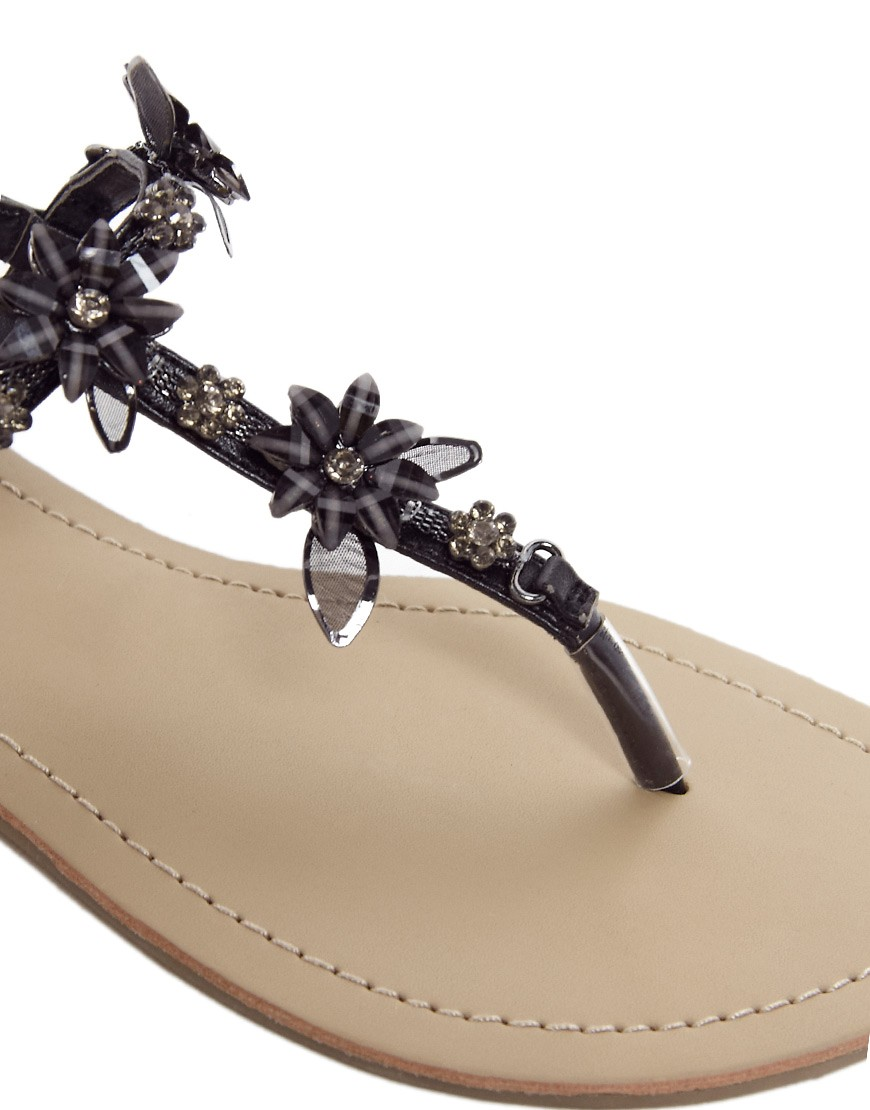 Image 2 of New Look Fairy Black Enamel Flower Flat Sandals
