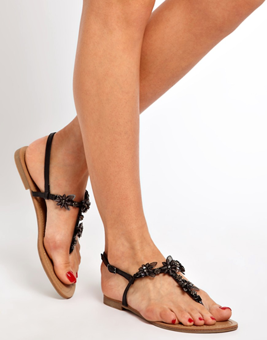 Image 3 of New Look Fairy Black Enamel Flower Flat Sandals
