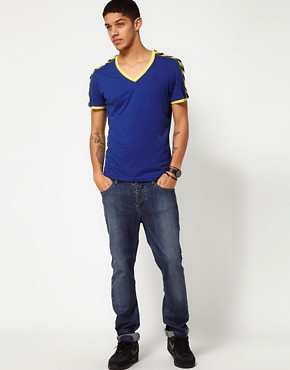 Image 4 ofHummel T-Shirt With Deep V Neck and Taped Sleeves