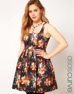 Image 1 ofASOS CURVE Dolly Skater In Photographic Floral