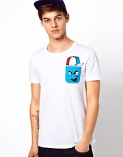 ASOS - T-shirt con taschino stampato a contrasto