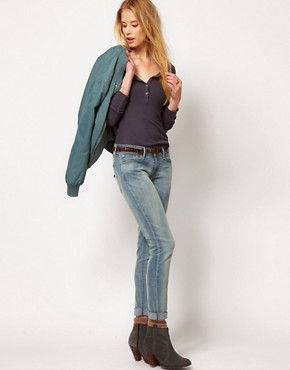 Image 4 ofLevi&#39;s Curve ID Demi Curve Skinny Jeans