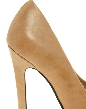Image 2 ofCarvela Janet Leather Court Shoe With Toe Cap