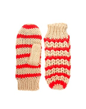Image 1 ofPieces Bellis Mittens