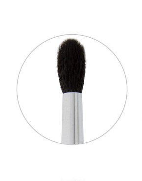 Image 2 ofStila All-Over Blend Brush No.9