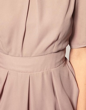 Bild 3 von ASOS PETITE &ndash; Tulpenkleid mit rmeln