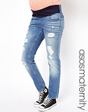 ASOS MATERNITY – Enge Boyfriend-Jeans in Vintage-Waschung