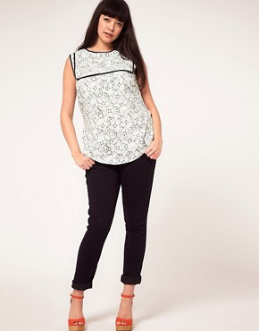 Image 4 ofASOS CURVE Exclusive Top In Gingerbread Print
