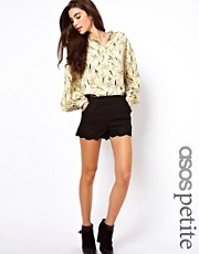 ASOS PETITE Shorts in Linen with Scallop Hem