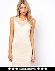 Oasis Lace Body-Conscious Dress