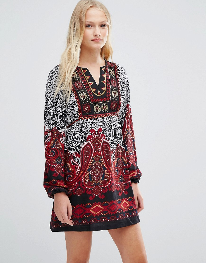 QED London Long Sleeve Smock Dress in Border Print - Red