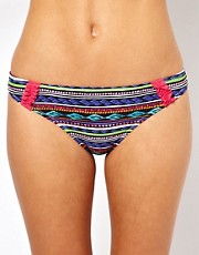 Marie Meili  Bikinihose mit Aztekenmuster