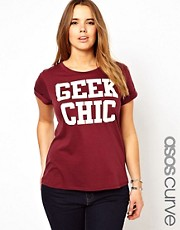 Esclusiva ASOS Curve - T-shirt con scritta &quot;Geek Chic&quot;