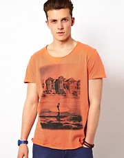 Solid T-Shirt With Oil Wash Surf Print