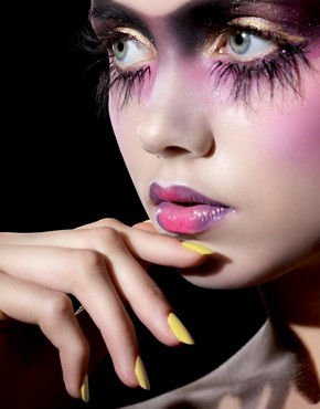 Image 4 ofIllamasqua Nail Varnish