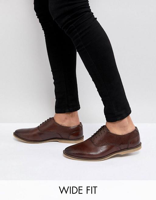 ASOS - ASOS - Chaussures casual larges en cuir à lacets et perforations - Fauve