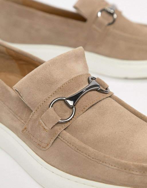 ASOS DESIGN Loafers In Stone Suede With Snaffle qc6qQZS0e