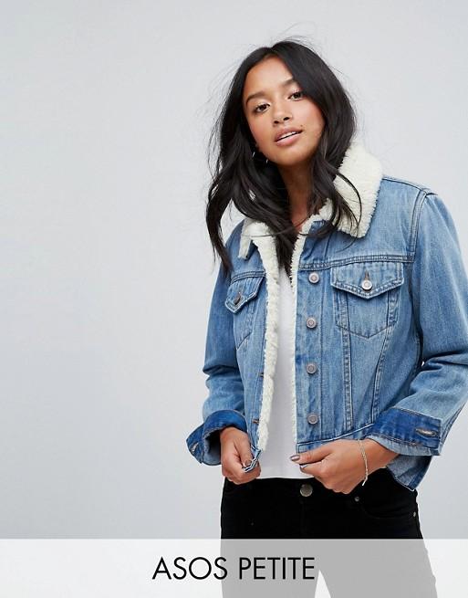 PETITE - Veste rétrécie en jean doublée imitation peau de mouton - Délavage moyen bleu Tammy