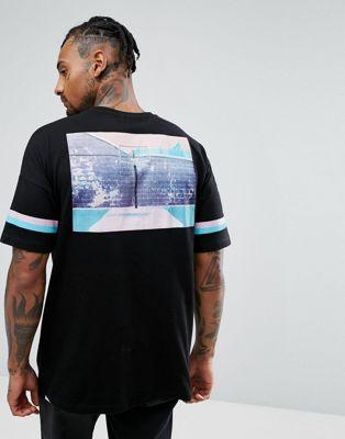 Immagine 1 di ASOS - T-shirt oversize con stampa fotografica stile basket