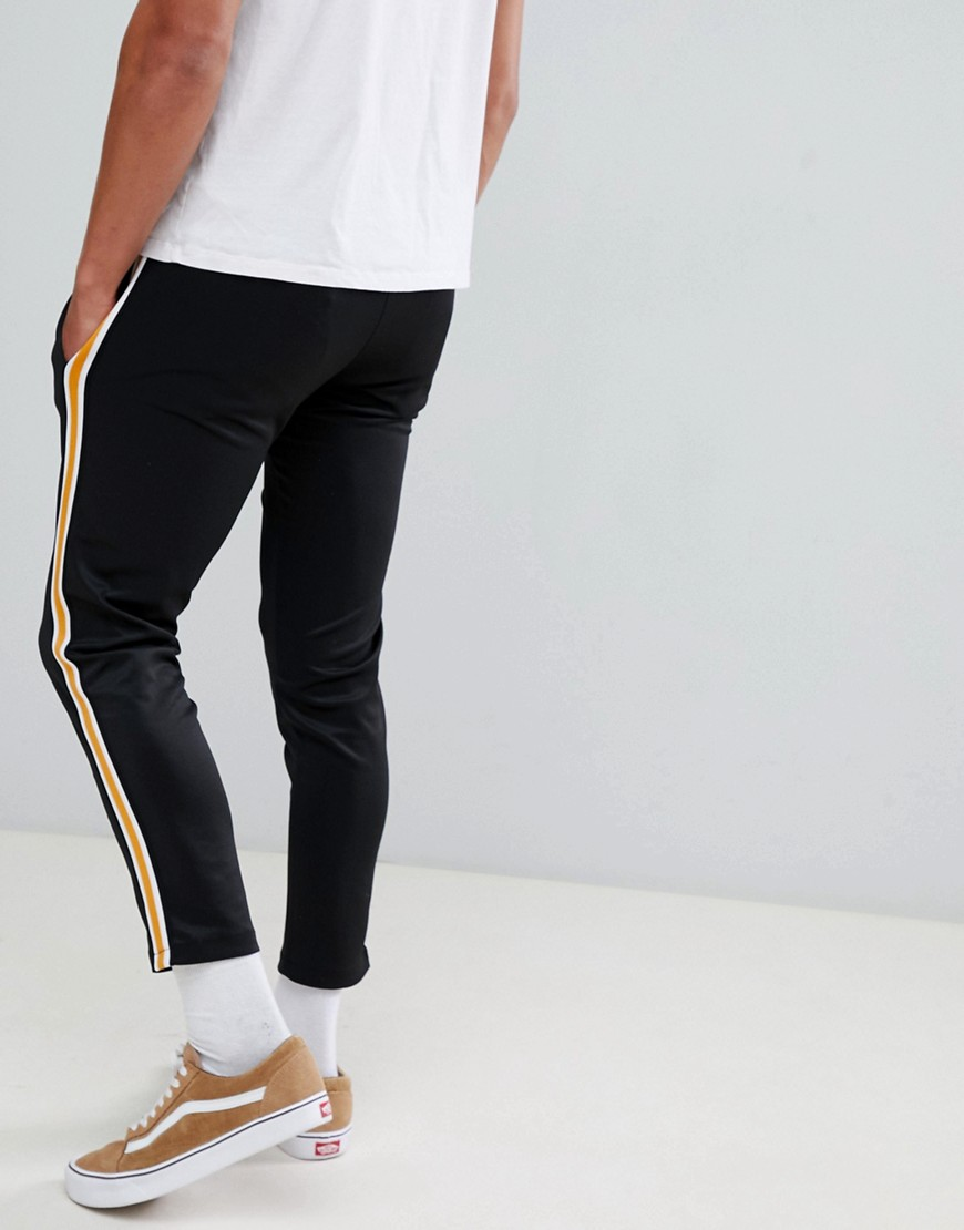 Bershka   Joggingbroek In Zwart Met Zijstreep by Asos