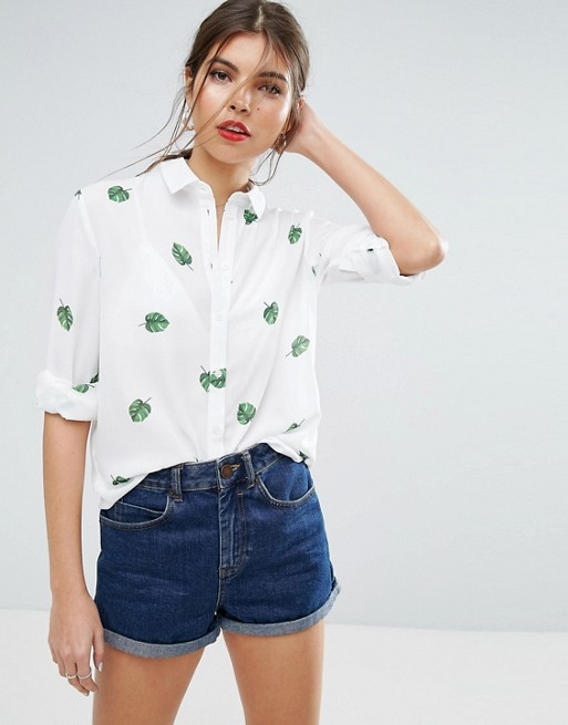 Inicio; Blusa con estampado de hojas de ASOS. firstImage.AlternateText