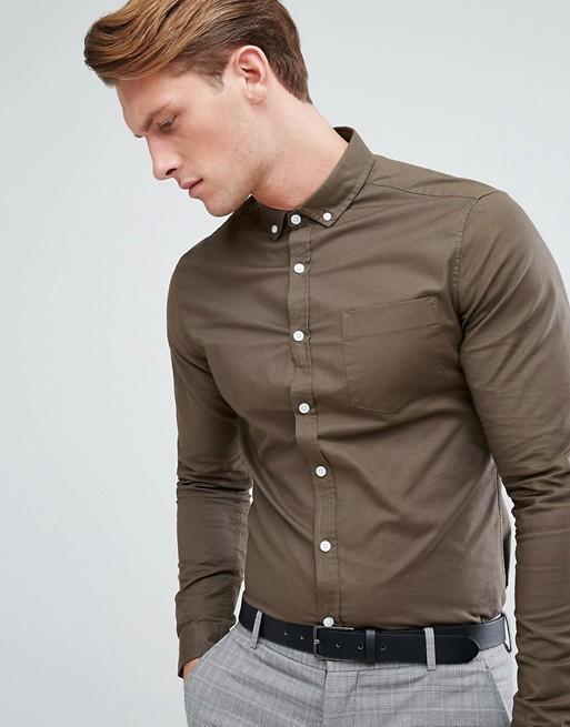 Camisa Oxford ajustada casual en caqui de ASOS