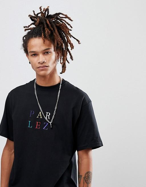 Camiseta negra con logo multicolor de Parlez