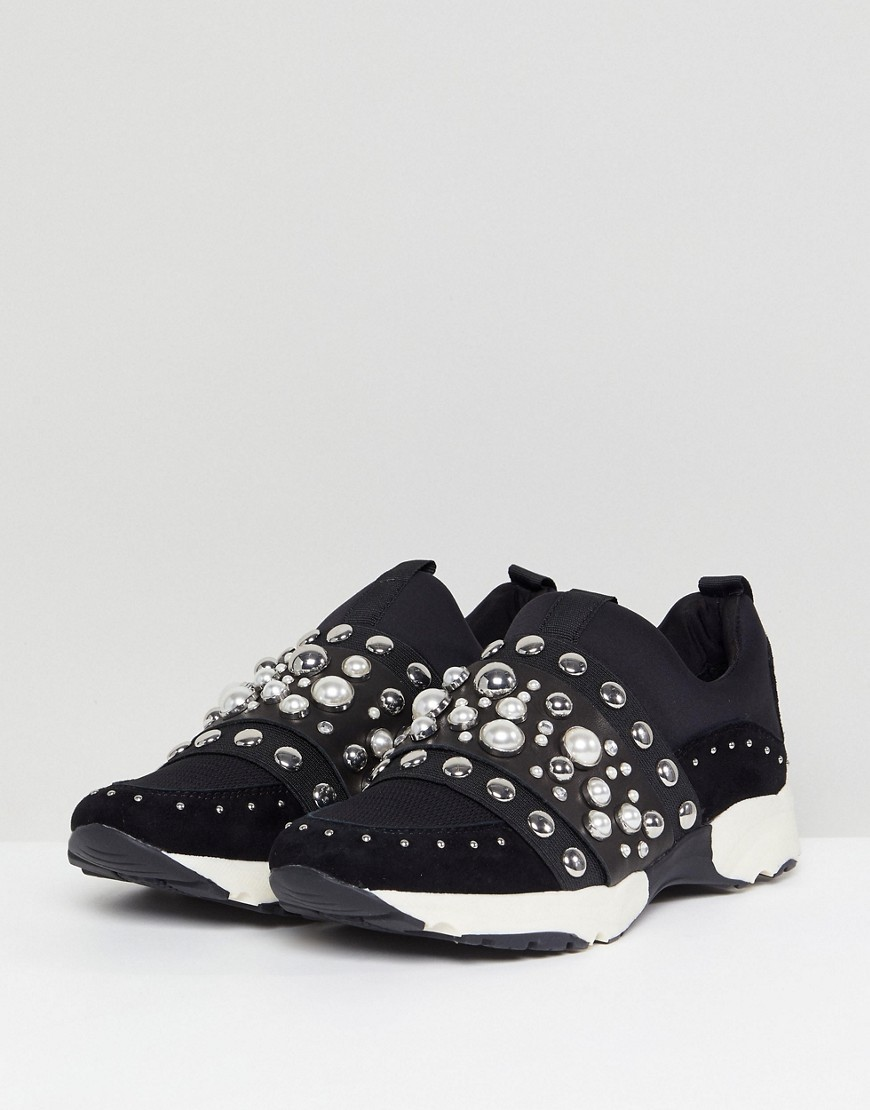 Luck Studded Trainers - Black Carvela