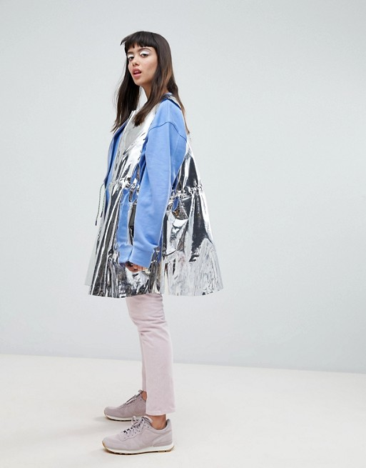 Chaqueta sin mangas metalizada con diseño solar Press Collection de Weekday