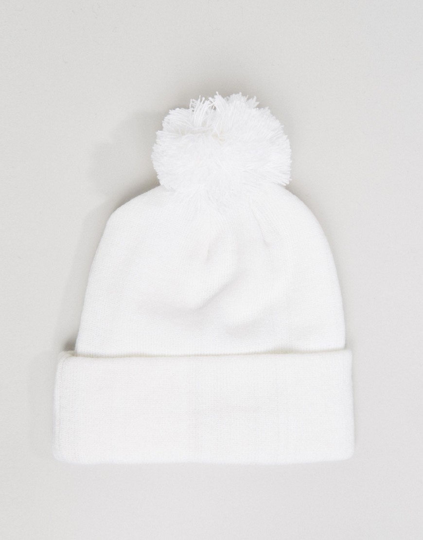 Beanie Bobble Hat with Badge - White Heist