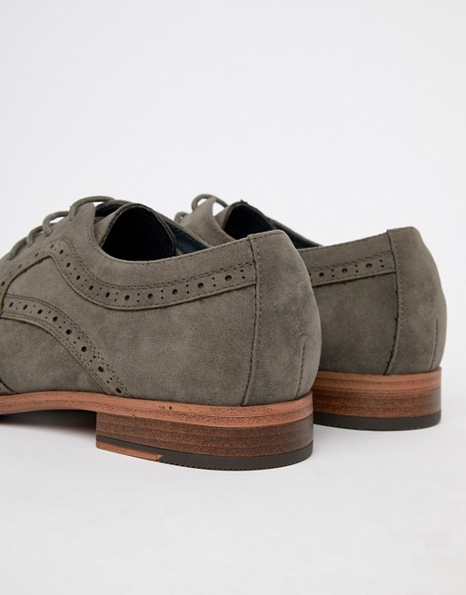 Look New suede brogue Look New in faux gray RxdndOwq