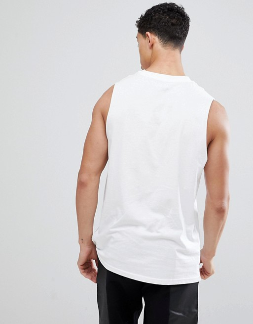 Look New In White T Sleeveless shirt 8dxrdf