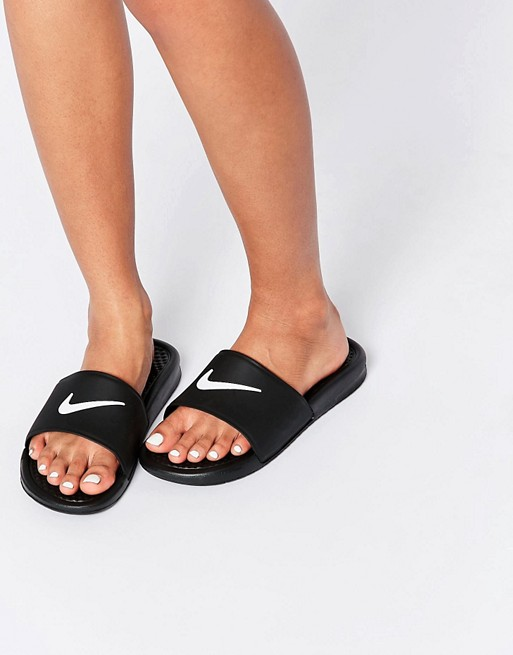 nike nike benassi sandales de piscine plates. Black Bedroom Furniture Sets. Home Design Ideas