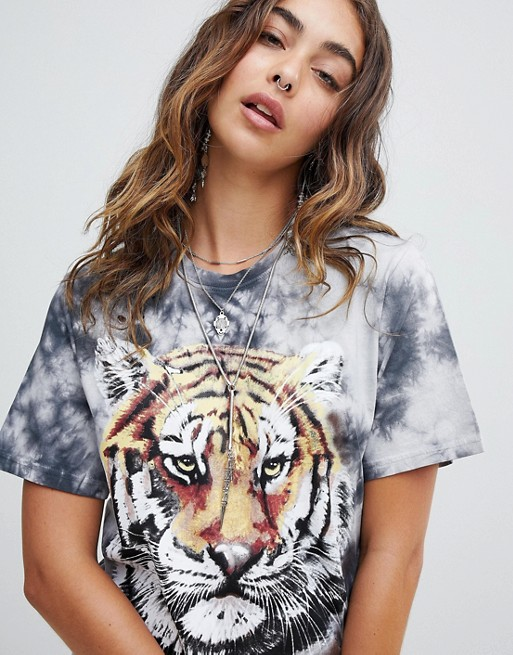 Inexpensive For Sale Essential Top - graphic sumi-e seahorse01 by VIDA VIDA Big Sale Sale Online Cheap Price Pre Order Store Online Sale Low Shipping iQhVk0flY