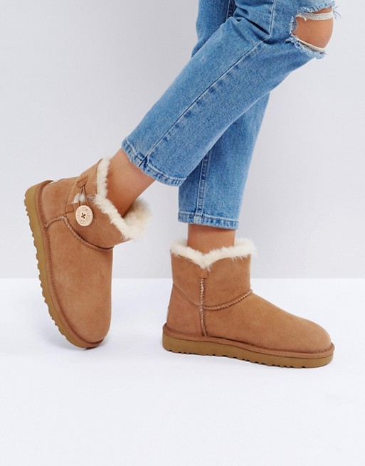 Uggs Mini Bailey Button