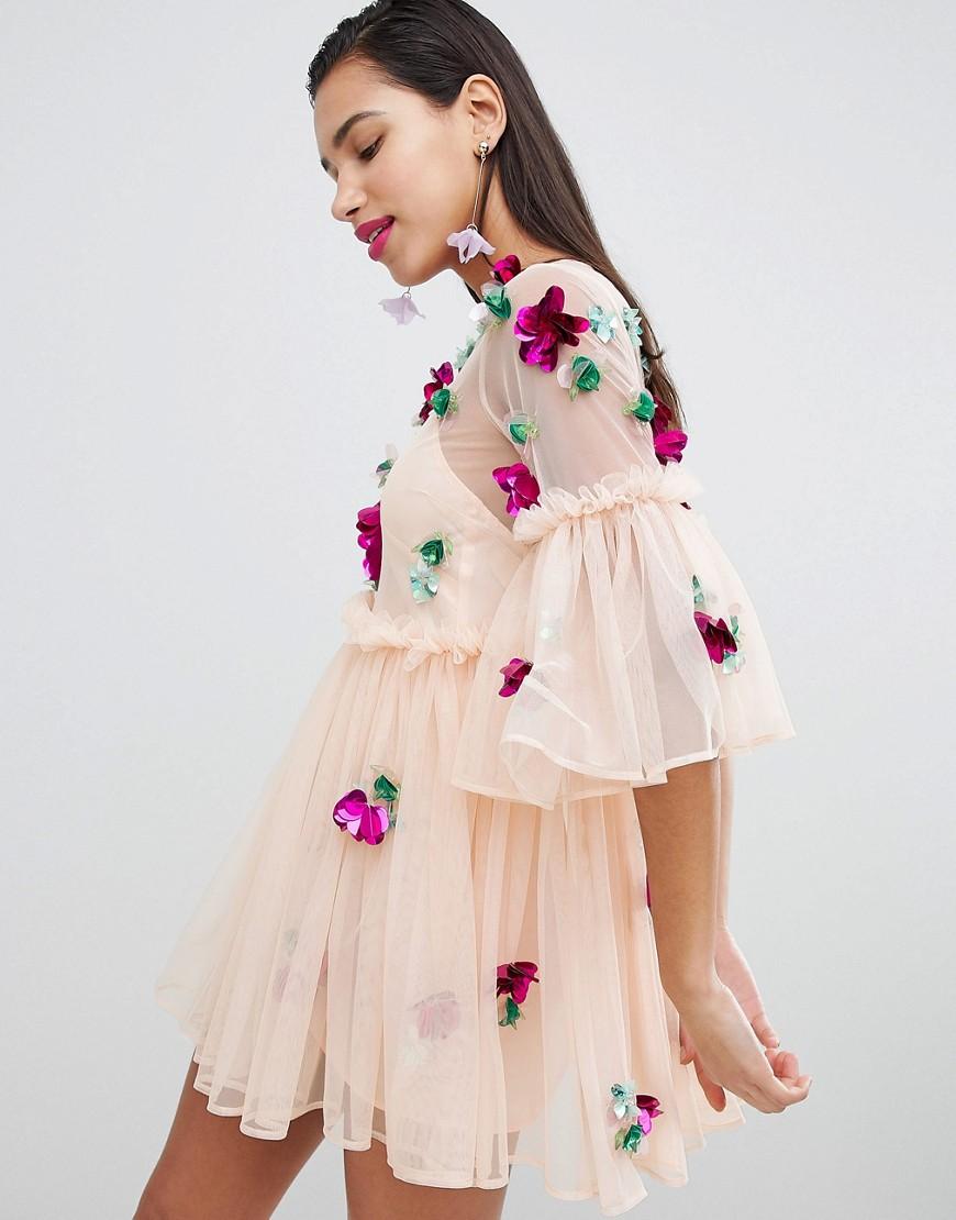 Eleganti trendy Rosa donna Vestitino a grembiule con tessuto a rete decorato e maniche svasate Rosa ASOS